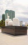 在中国海滩的现代雕塑在岘港在越南 免版税库存照片