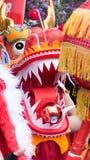 在中国龙的特写镜头在街道节日 库存图片