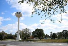 在中央佛罗里达大学的水塔  库存照片