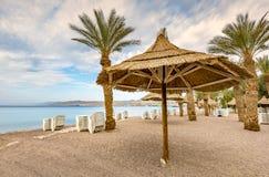 在中央公开海滩的早晨在埃拉特 免版税库存照片