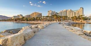 在中央海滩的石码头在埃拉特,以色列 免版税库存照片