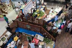 在中央节日Chiangmai的Amphawa浮动市场 库存照片
