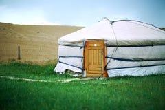 在中央蒙古的蒙古语Ger 图库摄影