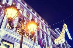 在中央街道,布达佩斯的圣诞灯 库存图片