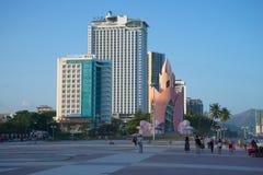 在中央镇中心的晚上微明 越南 库存照片