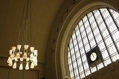 在中央驻地的时钟在赫尔辛基 免版税库存照片