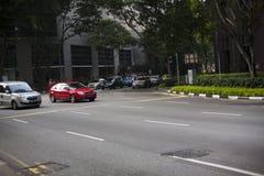 在中央sreet的交通在新加坡 库存图片