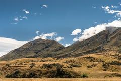 在中间地球,新西兰的山脉 库存照片