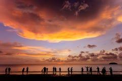 在丹戎阿鲁海滩,亚庇的日落 库存图片