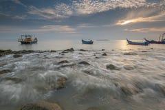 在丹戎Piandang的渔船@取缔Pecah霹雳州马来西亚 免版税库存照片