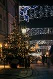 在为圣诞节城市装饰的看法 库存图片