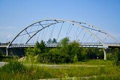 在主要的一座新的现代桥梁在贝尔格赖因费尔德,巴伐利亚,德国 图库摄影