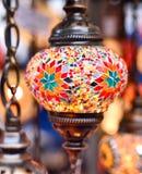 在义卖市场的土耳其或东方灯 免版税库存照片