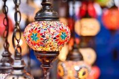 在义卖市场的土耳其或东方灯 免版税库存图片