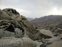 在乌兹别克斯坦中间的岩石 库存照片