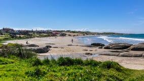 在乌拉圭使看法靠岸在蓬塔del蝙蝠鱼 免版税库存照片