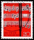 在乐谱,歌曲和合唱serie前面的音叉,大约1962年 免版税库存图片
