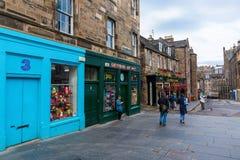 在乔治四世桥梁的街道视图在爱丁堡,苏格兰,英国 库存照片