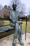 在乔治城大学的1月Karski雕象 免版税库存图片