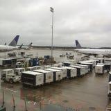 在乔治・布什洲际机场的大雨 免版税库存图片