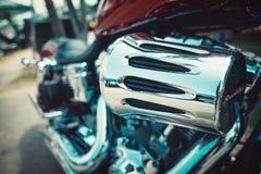 在习惯汽车和自行车的令人敬畏的自行车显示芭达亚 图库摄影