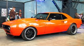 在习惯&调整的展示的经典美国肌肉汽车 库存图片