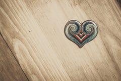 在书桌上的心脏 免版税库存照片