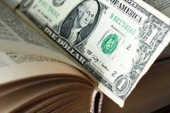 在书里面的美元 财务的概念 免版税图库摄影