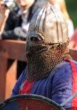 在争斗前的中世纪骑士 画象 免版税库存照片