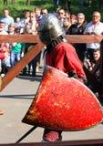 在争斗前的中世纪骑士 免版税库存图片