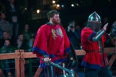 在争斗以后的骑士 免版税库存照片