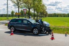 在事故以后的一辆汽车 免版税库存照片