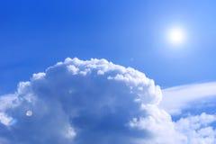 在云彩上的天空视图 库存照片