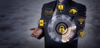 在云彩上的提供的Cybersecurity机制 库存照片