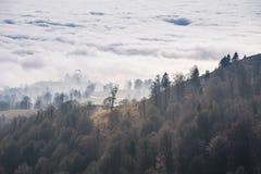 在云彩上的秋天 库存照片