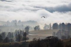 在云彩上的秋天 免版税库存照片