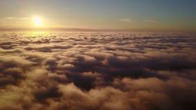 在云彩上的鸟瞰图 股票视频