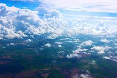 在云彩和不尽的空间的天空 免版税库存图片