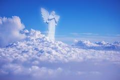在云彩天使中的监护人在天堂 免版税库存照片