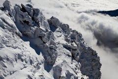 在云彩岩石之上 免版税图库摄影