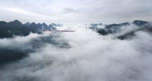 在云彩的一座桥梁 库存图片