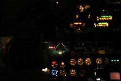 在云彩的图波列夫154,夜间着陆 免版税库存图片