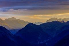 在云彩的夏慕尼谷 法国 库存照片