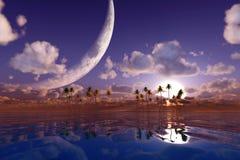 在云彩的大月亮 免版税库存照片
