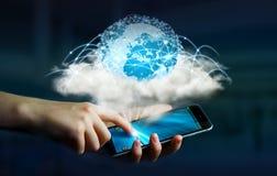 在云彩的数字式世界连接了到女实业家手机 库存图片