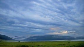 在云彩的早晨天空 库存图片