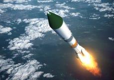 在云彩的运载火箭发射 免版税库存照片