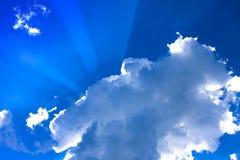 在云彩的阳光 图库摄影