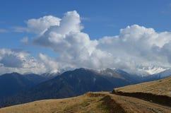 在云彩,黑海地区,土耳其的山 免版税库存照片