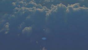 在云彩2上的航空器 股票视频